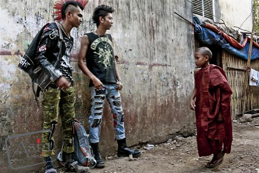 Photo story - Changes in Burma