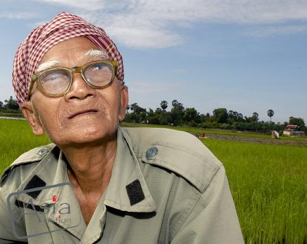 Van Yom, 79 yrs old SRI  farmer Tro Paing Raing Village, Kandal Province oxfam america