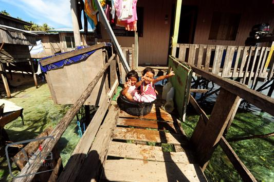 Photo story Asia Motion - 1_Malaysia-Sea Gypsies in Borneo-anthonyasael-web-asiamotion.jpg