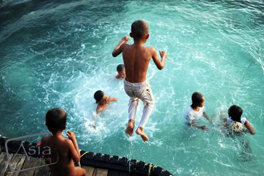 Photo story Asia Motion - 9_Malaysia-Sea Gypsies in Borneo-anthonyasael-web-asiamotion.jpg