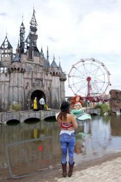 Photo story Asia Motion - VN_Dismaland_003.jpg